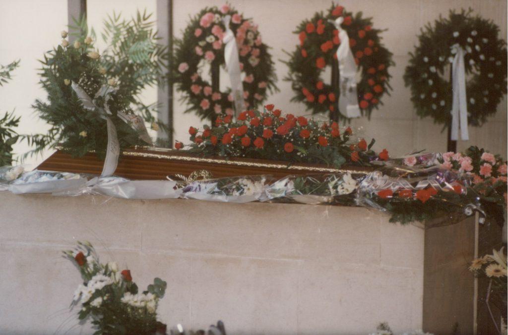 Mikola Anikó temetése