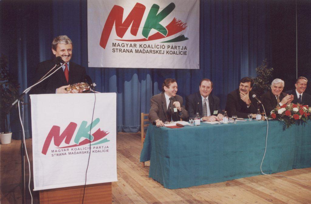 MKP III. kongresszusa. (a képen: Mikuláš Dzurinda)