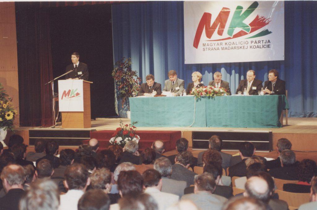 MKP III. kongresszusa. (a képen Bugár Béla felszólalás közben)
