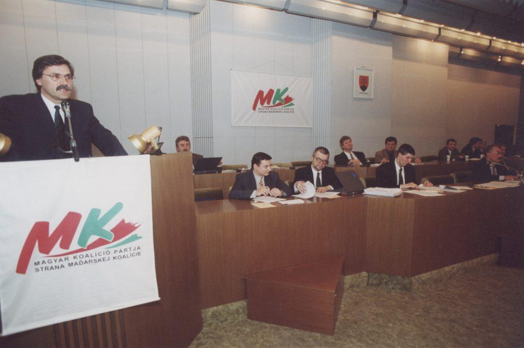 Az MKP galántai ülése. (a képen Farkas Pál felszólalása)