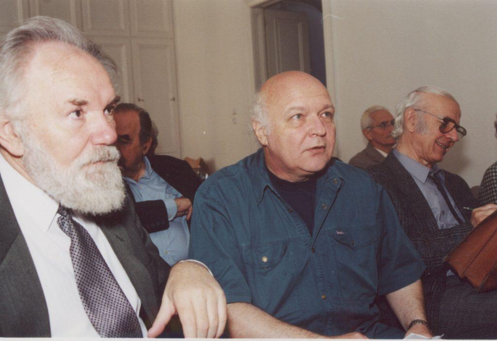 A Szlovákiai Magyar Irók Társaságának közgyűlése Pozsonyban a MKKI-ben. (a képen: Koncsol László, Grendel Lajos, Tőzsér Árpád)