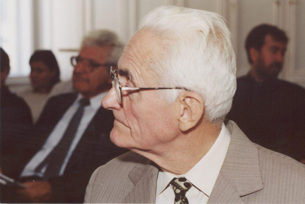 A Szlovákiai Magyar Irók Társaságának közgyűlése Pozsonyban a MKKI-ben.