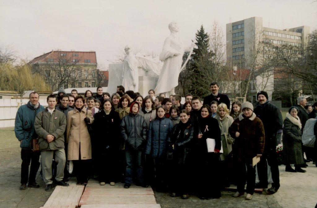 A pozsonyi Petőfi-szobor újrafelavatása.