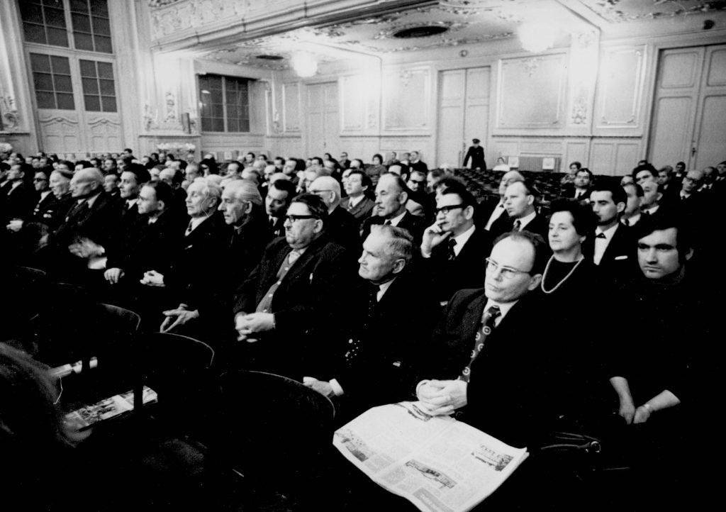 A Csehszlovákiai Magyar Dolgozók Kulturális Szövetsége megalakulásának 30. évfordulója alkalmából Pozsonyban a Redoute nagytermében rendezett ünnepi ülés. (a képen a delegáltak és meghívottak)