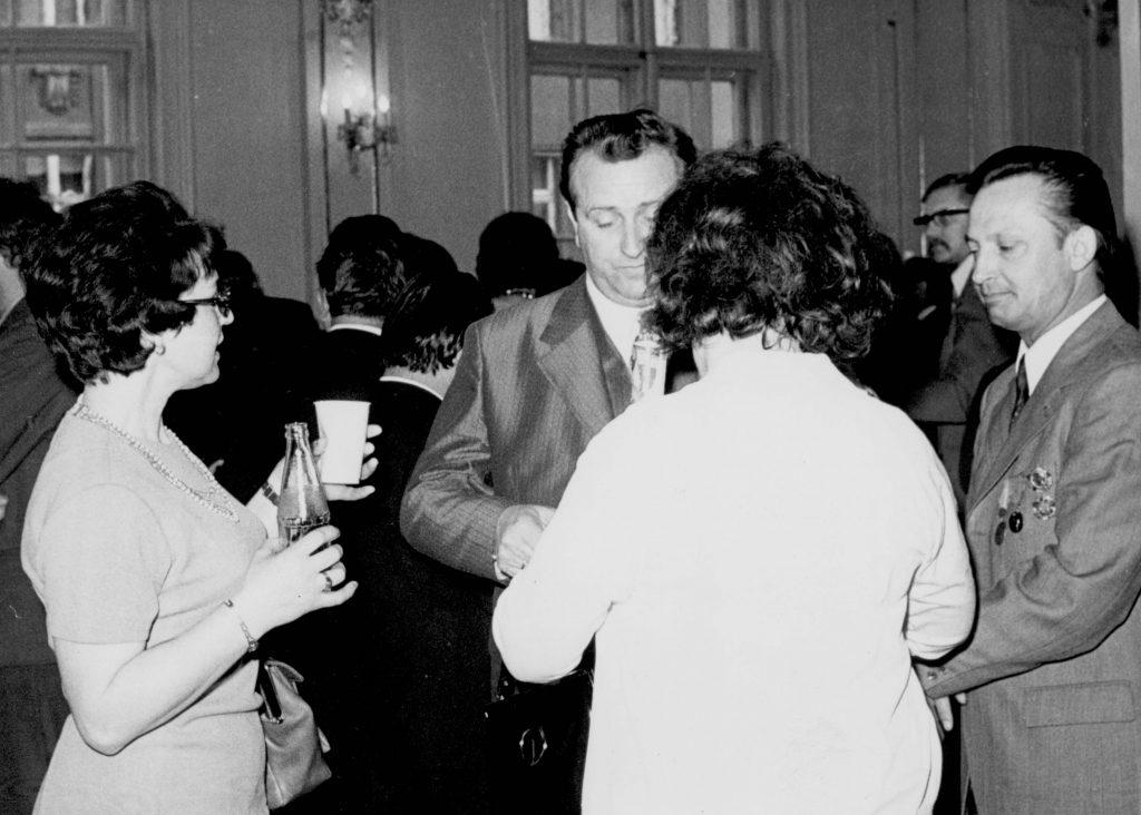 A Csehszlovákiai Magyar Dolgozók Kulturális Szövetsége megalakulásának 30. évfordulója alkalmából Pozsonyban a Redoute nagytermében rendezett ünnepi fogadás. (a képen a delegáltak és meghívottak)