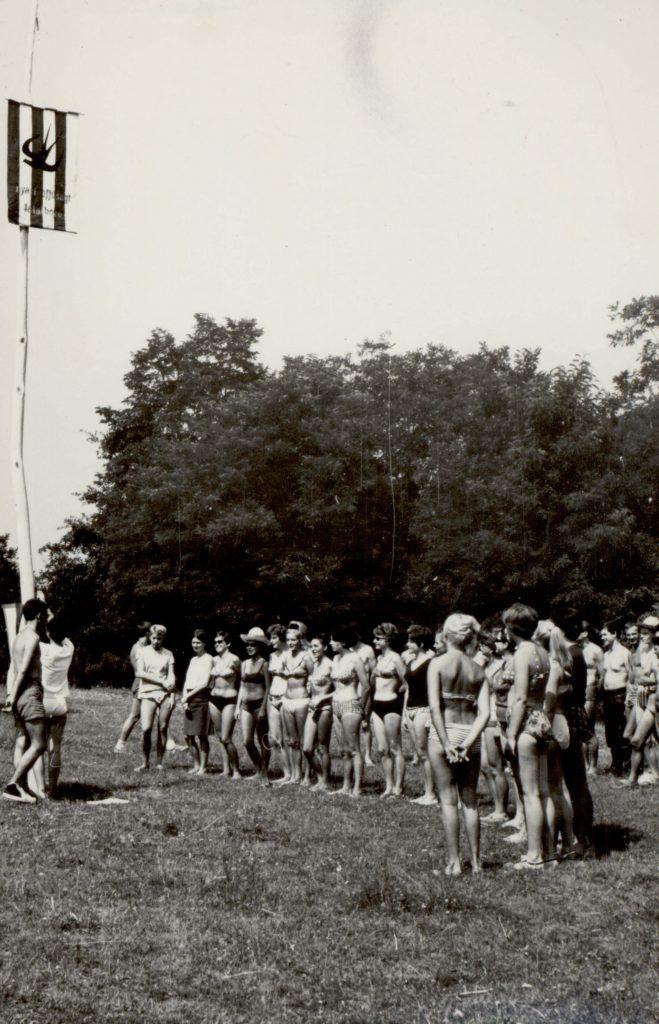 Zászlófelhúzás (III. Nyári Ifjúsági Találkozó)