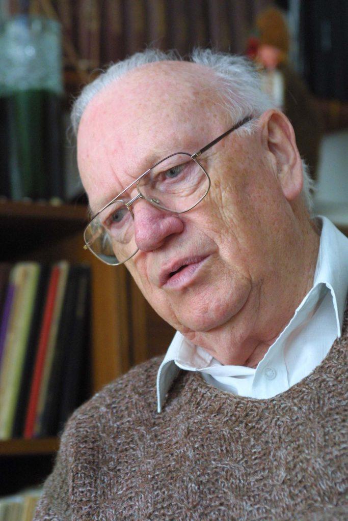 Ág Tibor -  népzenegyűjtő, karnagy, szakíró.