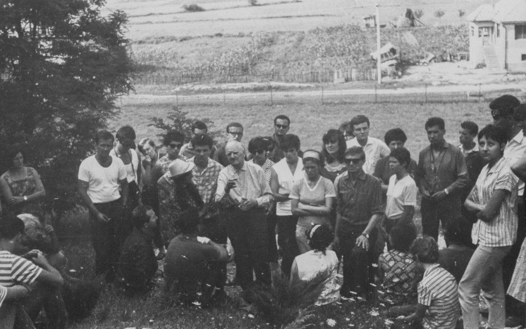 A pinci Nyári ifjúsági találkozó résztvevőinek kirándulása Alsósztregován.