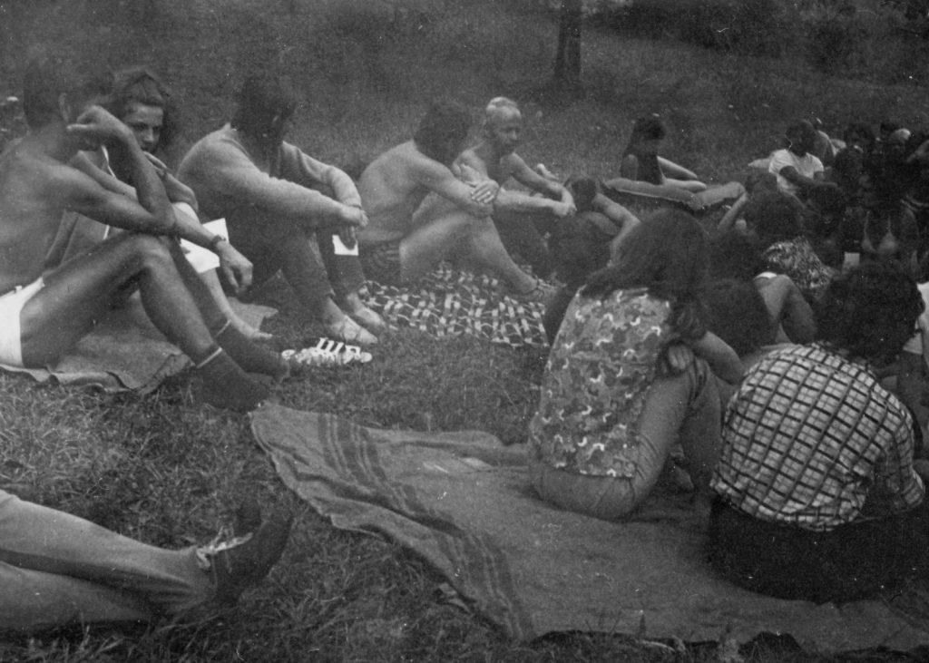 A szádalmási Nyári ifjúsági találkozó táborozói.