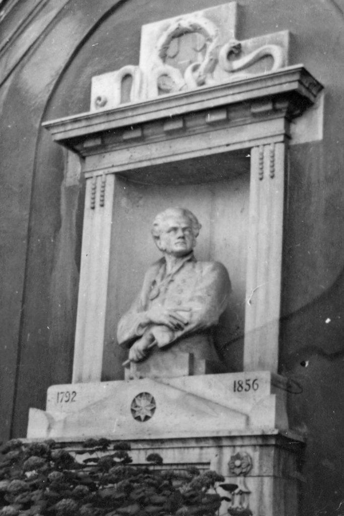 Ferenczy István síremléke.