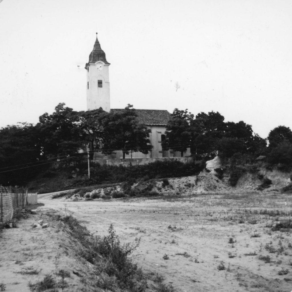 A leleszi erődített kolostor.