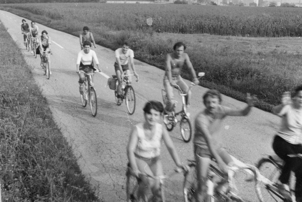 Búcsúznak a kerékpártúra résztvevői.