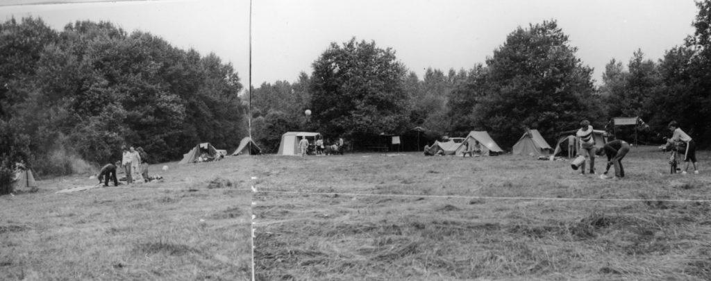 A csicseri művelődési tábor látképe.