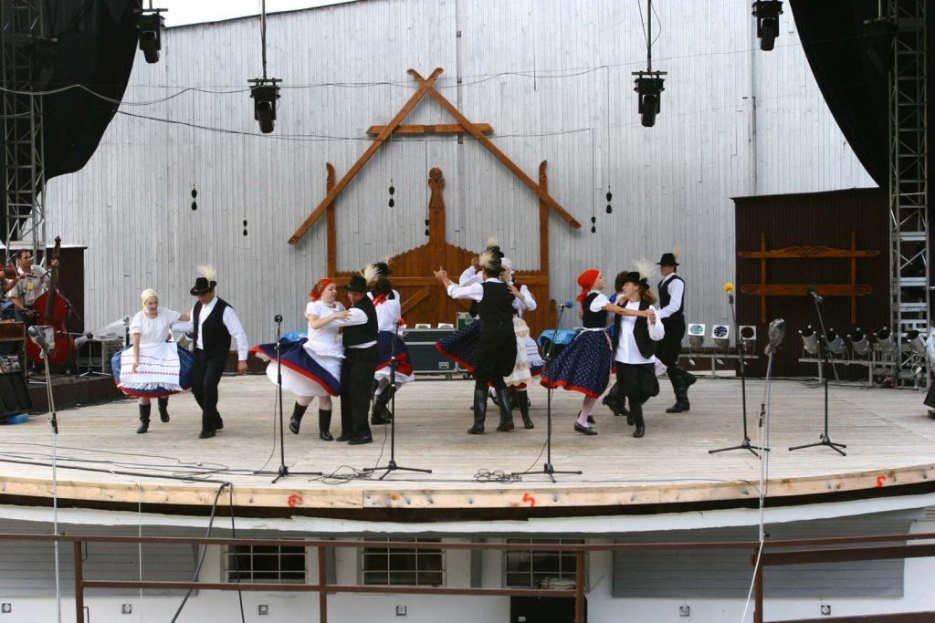 Búzavirág Néptánccsoport, Rozsnyó. (XLVII. Országos Kulturális Fesztivál)