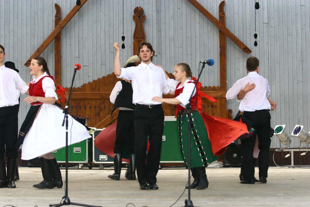 Garam Menti Néptáncegyüttes, Léva. (kalotaszegi román táncok) (XLVII. Országos Kulturális Fesztivál)