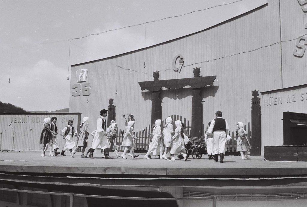 Barkóca Gyermektánccsoport - Gortva. (XXIX. Országos Kulturális Ünnepély)