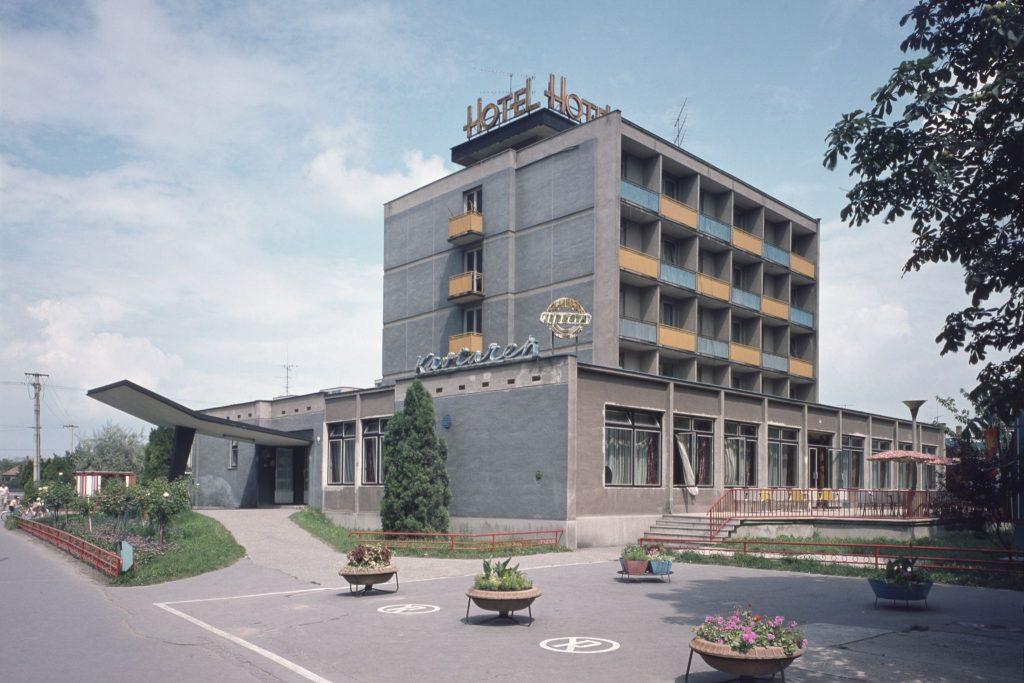 A dunaszerdahelyi Duna szálló épülete.