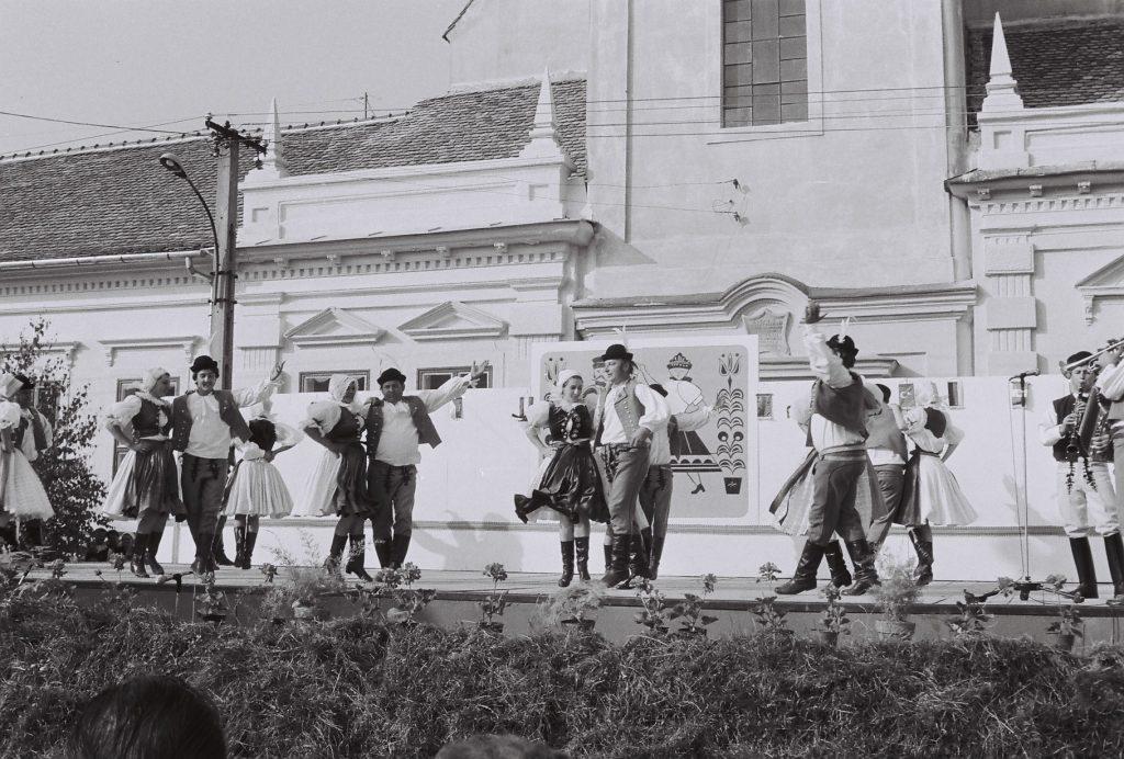 Stará Tura Folklórtáncegyüttes (záhorák, morva), Szlovákia.