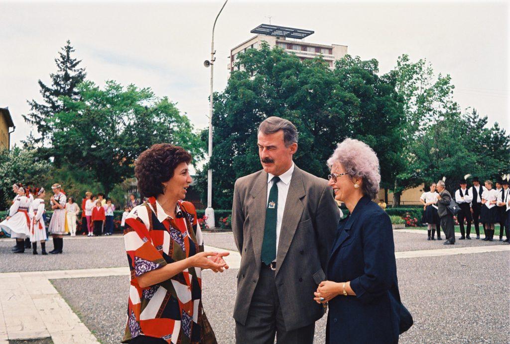 Hégli Marianna, Duka Zólyomi Árpád, Bauer Edit. (Nemzetközi Folklórfesztivál Zselíz '94)