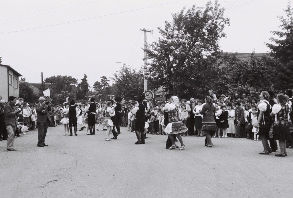 Hagyományőrző együttes, Bény. (XXXI. Országos Népművészeti Fesztivál)