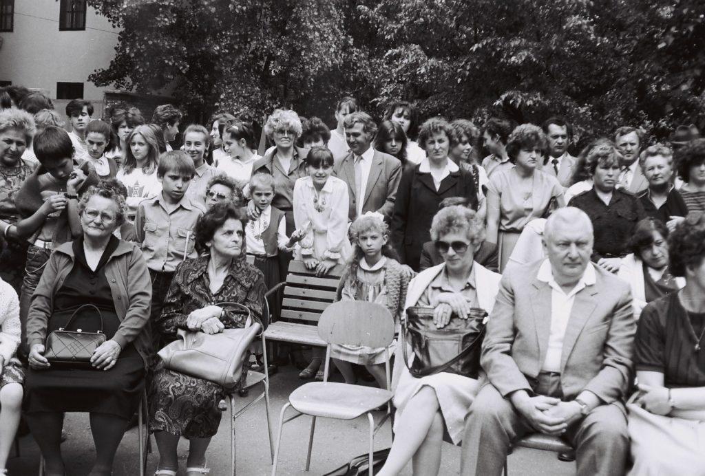 A Duna utcai magyar iskola évzáró ünnepsége és ballagás. (jobbról Staddrukker Ernő, Takács Klára szülők)