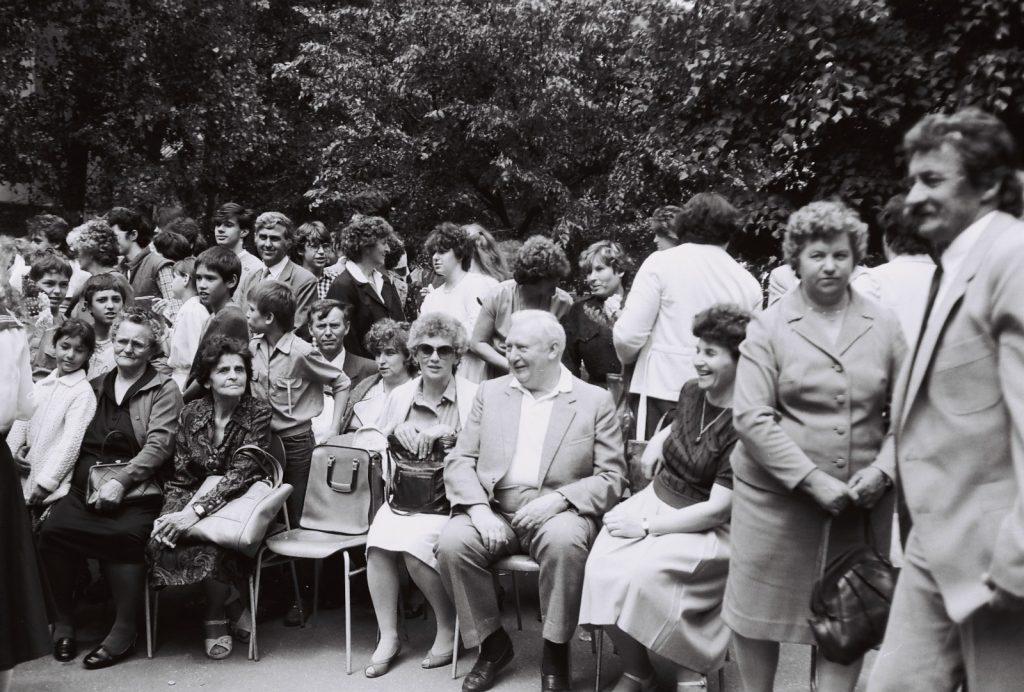 A Duna utcai magyar iskola évzáró ünnepsége és ballagás. (a képen a szülők)