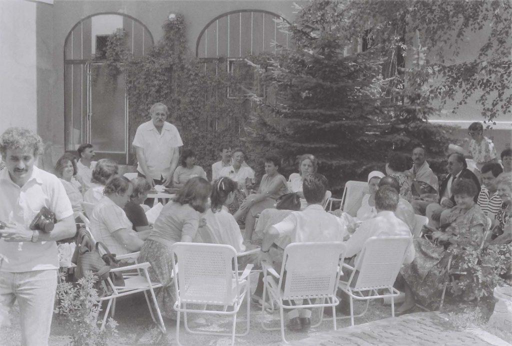 Pesovár Ernő előadása a Duna Menti Folkórfesztiválon, Kalocsán.